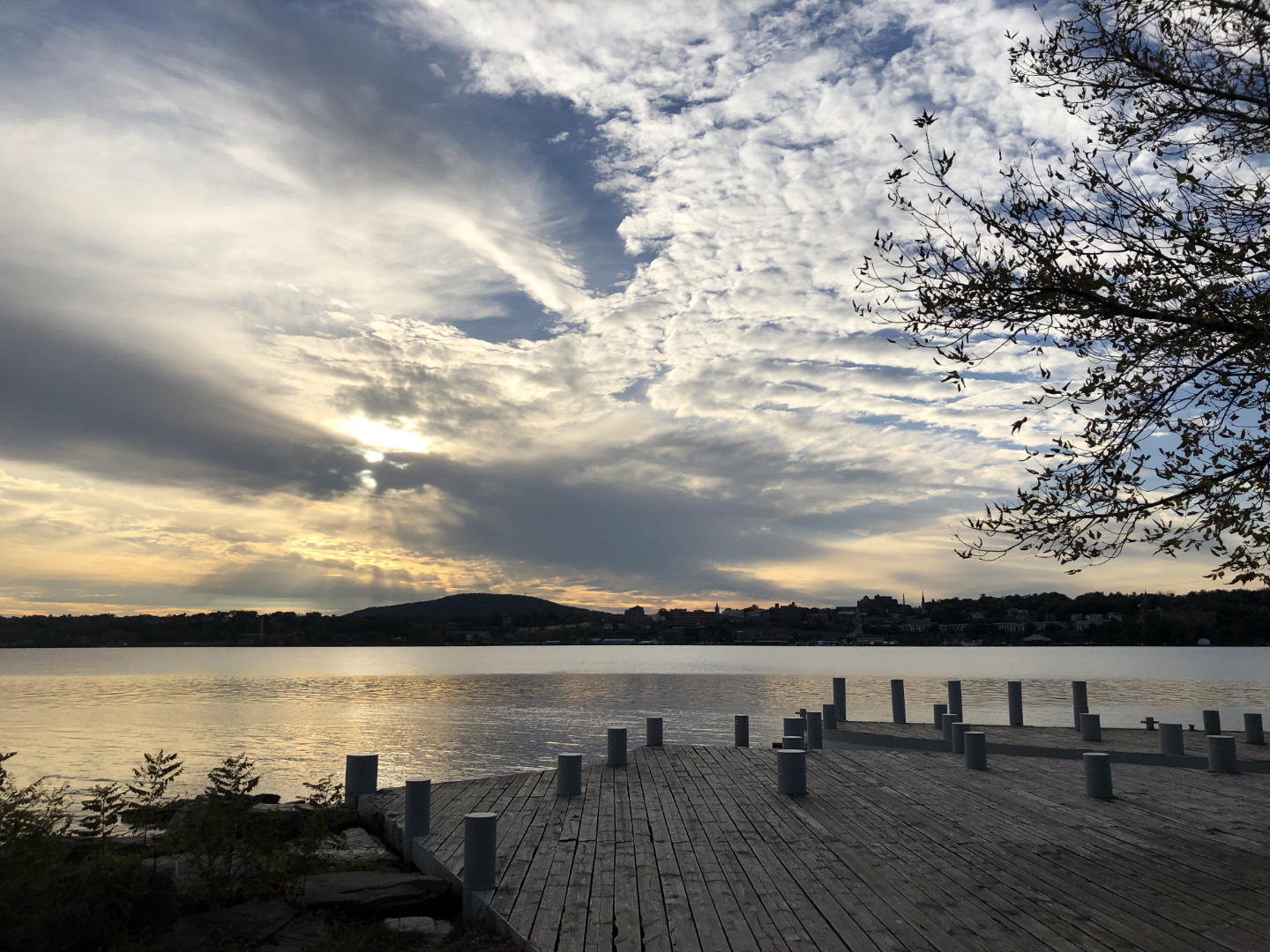 A view of the Hudson River towards Newburgh from Long Dock Park in Beacon, NY